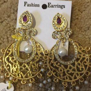 Jewelry - Earnings